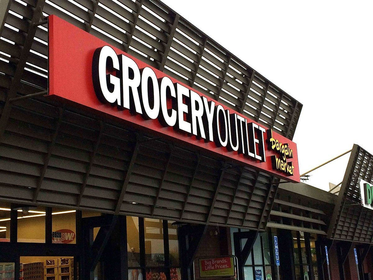 grocery outlet store